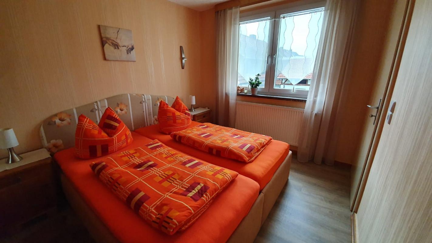 ferienwohnung engelhardt treffurt. Black Bedroom Furniture Sets. Home Design Ideas