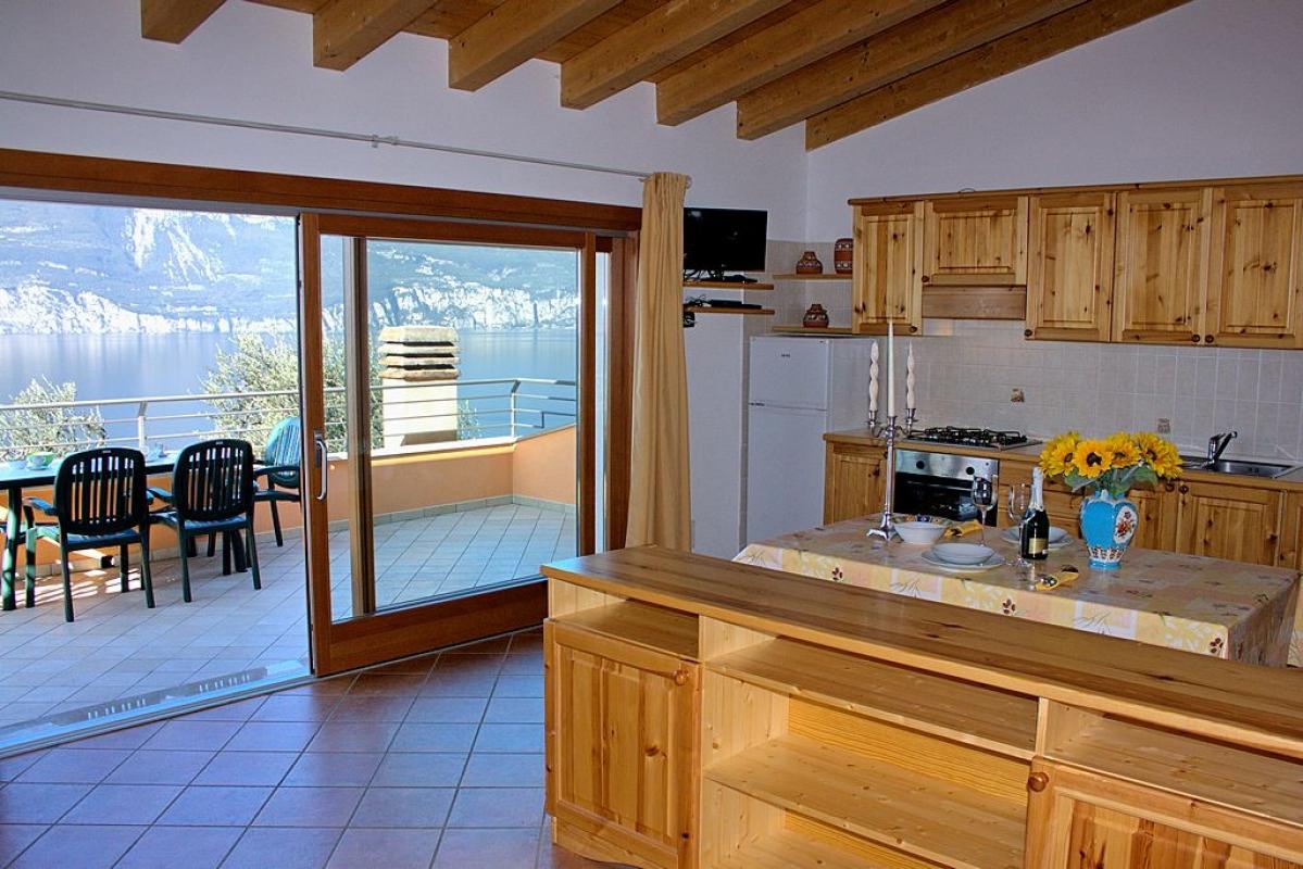 ferienwohnung gardasee ferienhaus ferienwohnungen ferienh user fewo privat. Black Bedroom Furniture Sets. Home Design Ideas