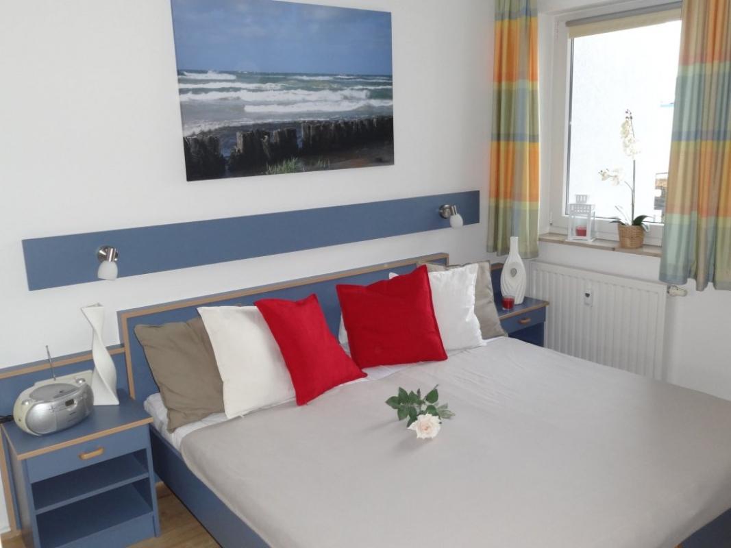 yachthafenresidenz meerblick wlan inkl strandkorb ferienwohnung k hlungsborn. Black Bedroom Furniture Sets. Home Design Ideas