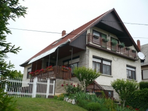 Ferienhaus  am Balatonlelle mit Pool