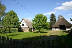 Gemütliches Reetdachhaus nah am See mit ausreichend Platz -
