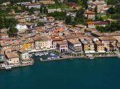 Gargnano am Gardasee: Stadthaus 20 m zu See