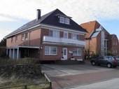 Gästehaus UTHÖRN - 10 Fewo`s  direkt am Sandtrand von Spo.