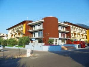 Giardino dei Colori - Moderne Fewo für 6 Pers. am Gardasee