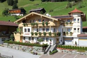 Ferienhaus Johanna für 2 bis 19 Personen im Zillertal