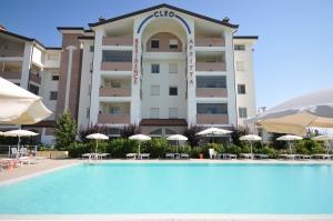 5 Betten Ferienwohnung in Residenz mit Pool an der Adria