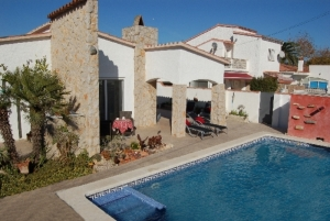 Villa Traude mit Pool
