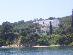 Pension Corfu Savas in Agios Nikolaos Notos direkt am Meer.