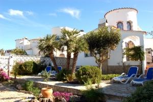 Casa Moreras mit Bootsliegeplatz