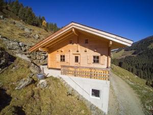 Eine etwas Abgelegene Hütte direkt an der Rodelbahn
