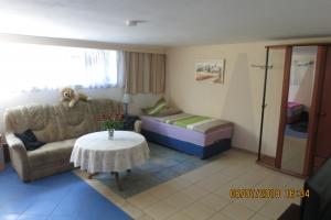Ferienwohnung im Souterrain einer Doppelhaus Hälfte