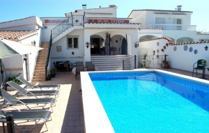 Villa Empuriabrava, Pool, 2 Wohneinh, am Kanal, 8 Pers, Klim